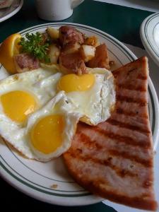 lucas-ham-and-eggs